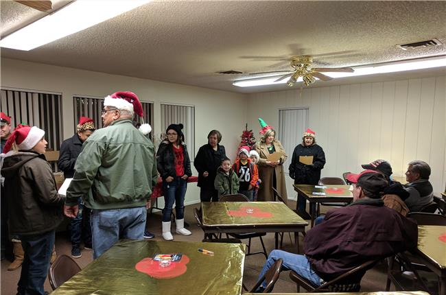 Christmas Carolers in Roswell, NM